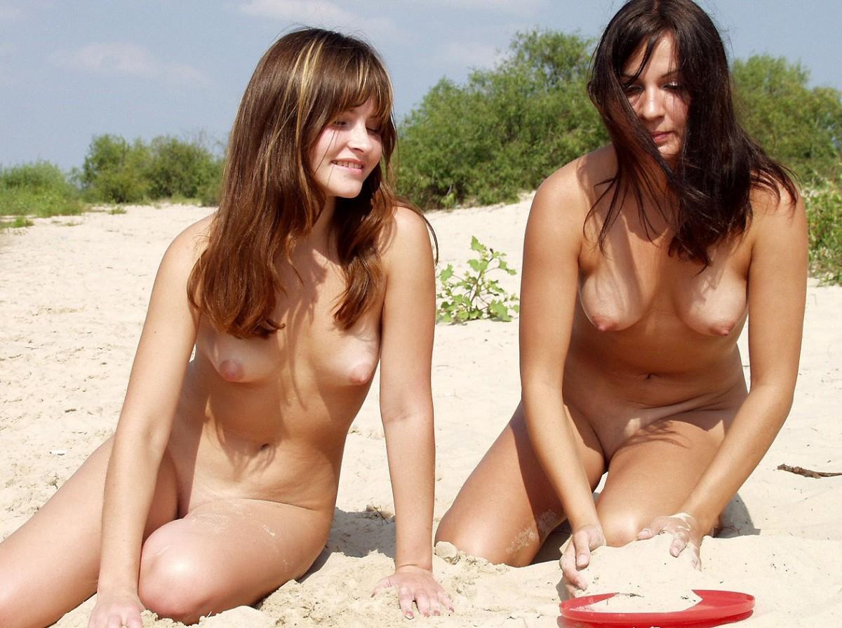 lesbian porn scissoring
